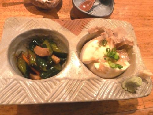 04おまかせ2種盛り300ぴり辛キュウリ寄せ豆腐