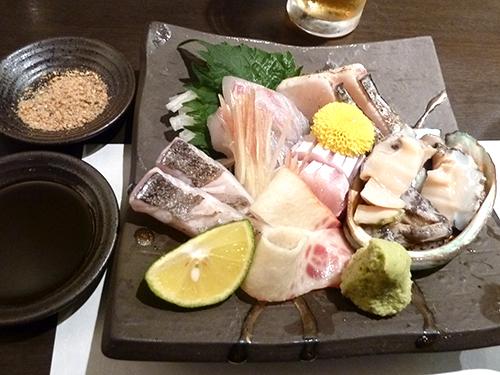 15京都舞鶴寒鰤長崎太刀魚炙り、愛媛天然真鯛、長崎とろ鰆たたき、蝦夷姫アワビくじらベーコン