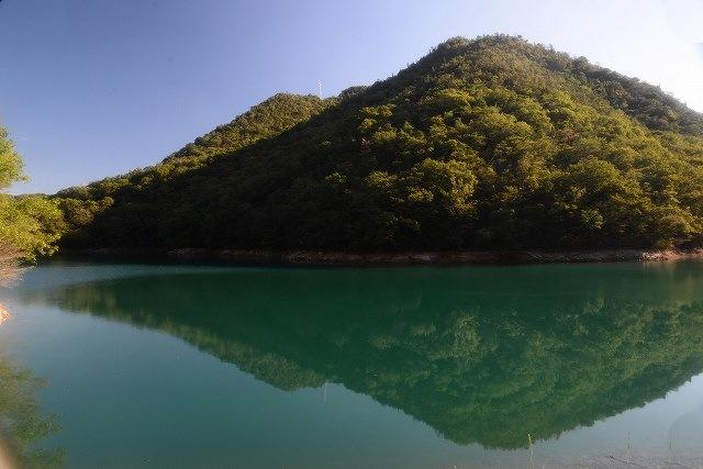 コバルトの池2