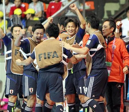 【フットサルW杯】日本初の決勝トーナメント進出キタ━(゚∀゚)━!