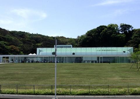 10.横須賀美術館