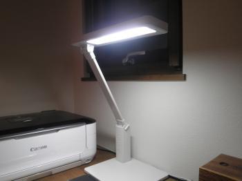 無印LEDデスクライト