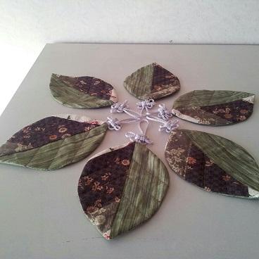 吉祥結びで葉っぱのコースター