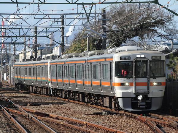 313系T編成+211系による熱海行き普通列車434M。