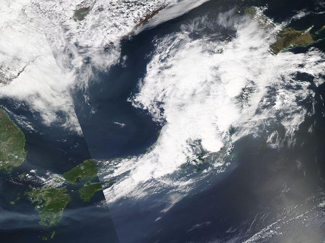 Japan_2012127_aqua_1km.jpg