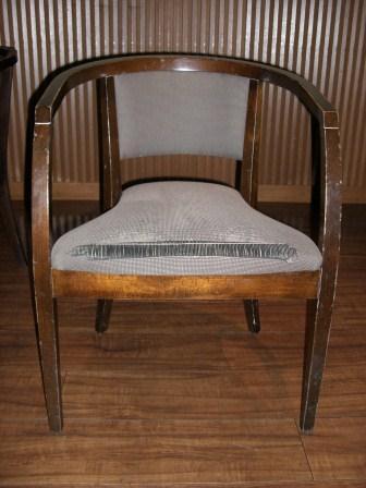 レストラン椅子(before)