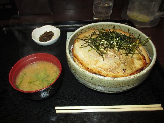 チャーシュー丼1
