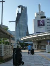 20140807 名古屋駅前の捻じれビル