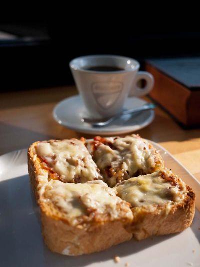 ライダーズ オープンカフェ ピザトースト