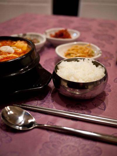 宮苑 (クンウォン) スンドゥブ定食 ご飯