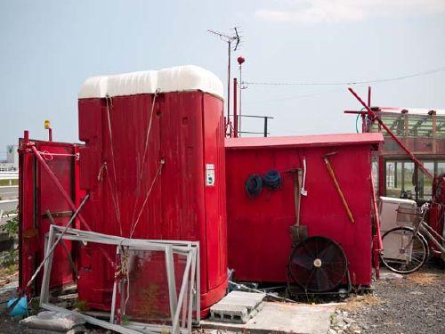 真っ赤なラーメン屋 トイレ