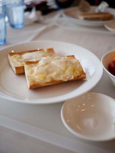 タイヨウコーヒー モーニングのチーズトースト