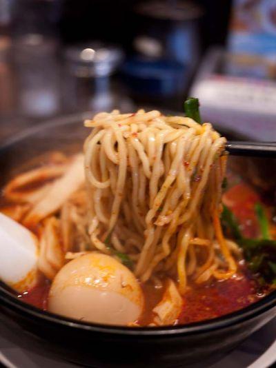 来来亭 東新田店 旨辛麺の麺
