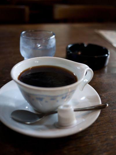 グレイッシュ ホワイト コーヒー