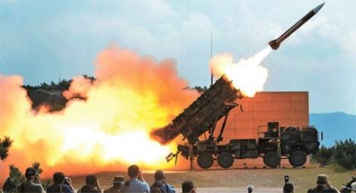 【韓国】忠清南道大川射撃場で韓国空軍が『パトリオットミサイル』による迎撃演習、2キロ上空の無人標的機に発射された2発ともが命中