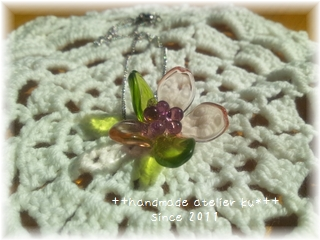 チェコガラスのお花