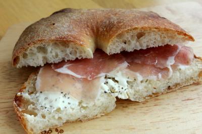 12.05.30ビアリー_お昼ごパンに