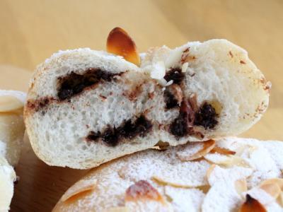 12.06.04チョコとアーモンドのパン_断面