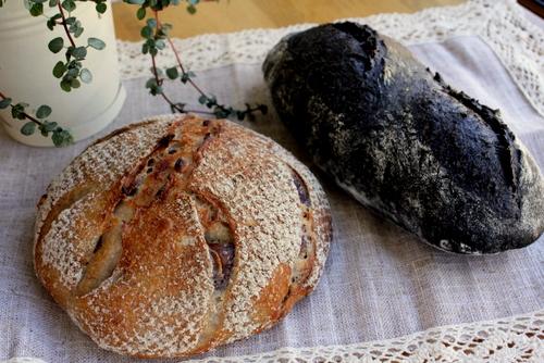12.10.12ドリアンのルヴァンのパン2種