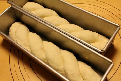 12.11.13ミルク食パン_成形
