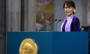 Aung-San-Suu-Kyi-delivers-008.jpg