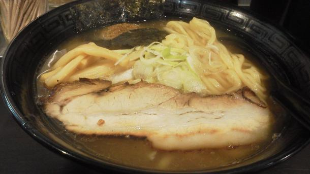 夜5食限定 あっさり醤油 魚介+鶏 650円(大盛無料 太麺固定)