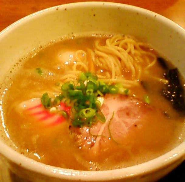 うえ田ラーメン756円+味玉105円
