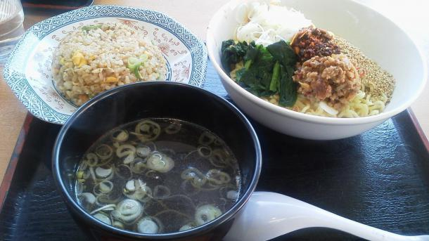 汁無し坦々麺+半チャーハンセット730円