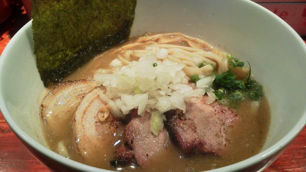 濃厚煮干730円+チャーシュー1枚100円(バラ+炭)