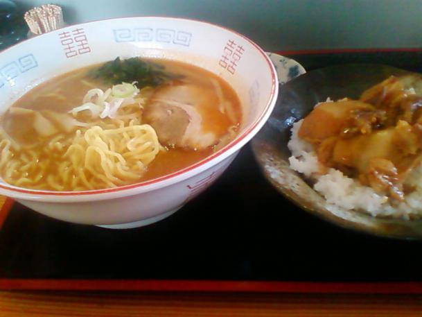 味噌ラーメン680円+ミニ焼き肉丼セット150円