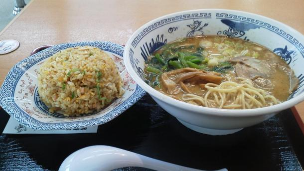 にんにく豚骨らーめん+チャーハンセット750円
