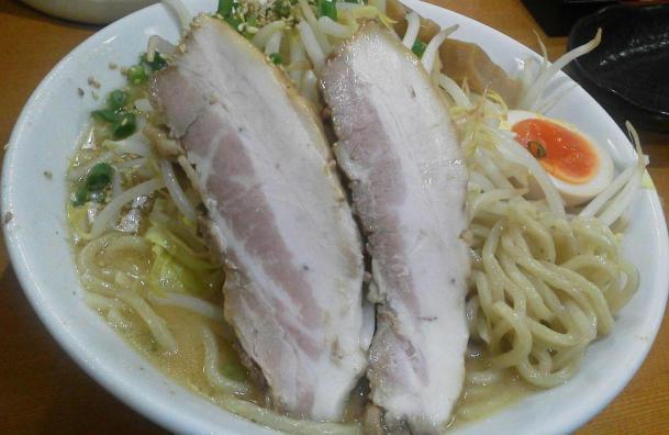 濃厚味噌らー麺650円(200グラム)