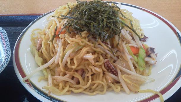 豚骨ヤキソバ半チャーハンセット750円2