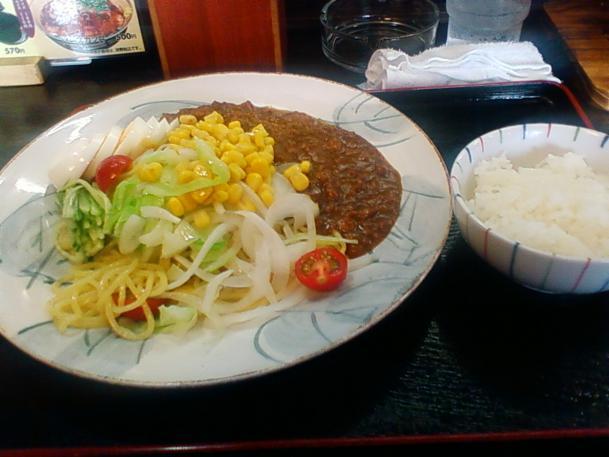 キーマカレー麺800円