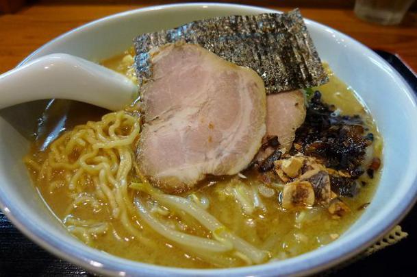 鶏白湯醤油940円