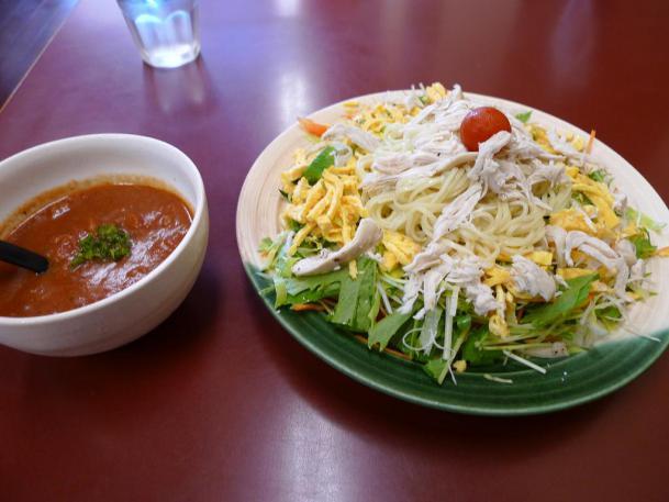 涼菜麺トマトソース800円