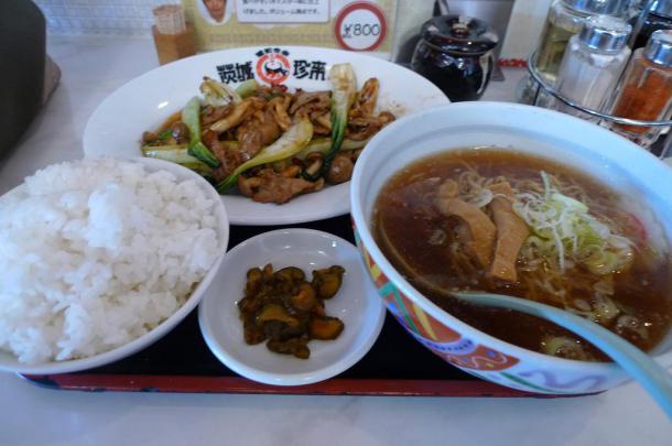 豚肉とチンゲン菜のオイスター炒め800円