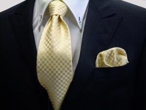 ネクタイ 黄色