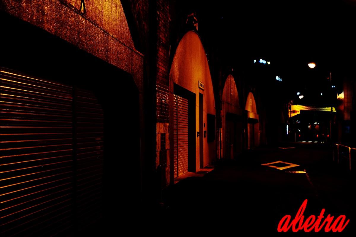 夜の神田レンガ通り