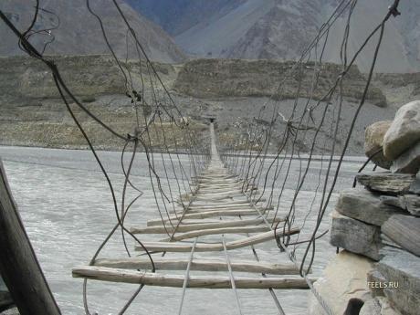 long-dangerous-bridge.jpg