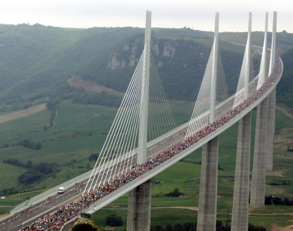 millau-viaduct-france.jpg