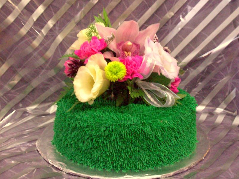 Cake Decorating Making Grass : Some Wacky Cake Decorating Ideas And Themes jareceqyk