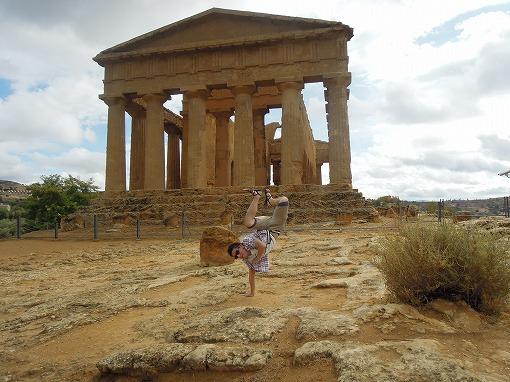 シチリア島 コンコルディア神殿で
