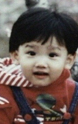 Childhood_MaxChangmin.jpg