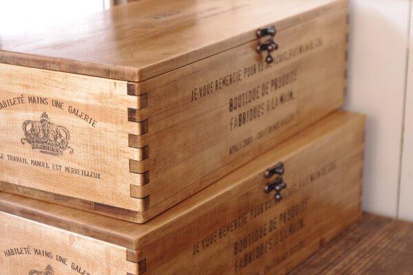 アンティーク風に仕上げた木製ボックス
