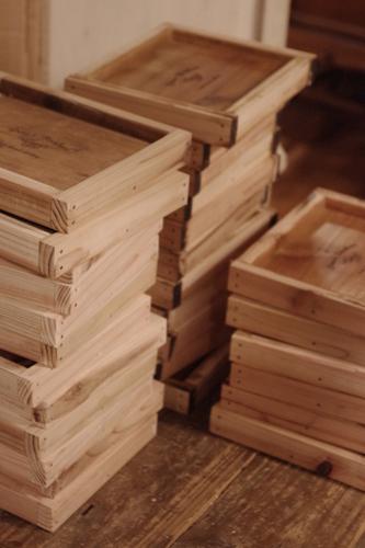 ハンドメイドの木製ミニトレー