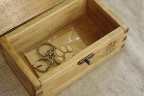 ナチュラルテイストのハンドメイド木箱