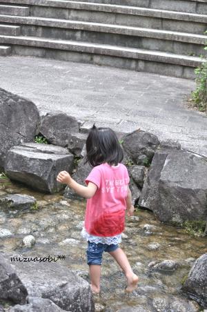 川遊び 娘