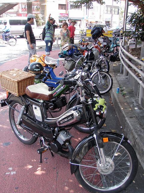 mopeds00012.jpg