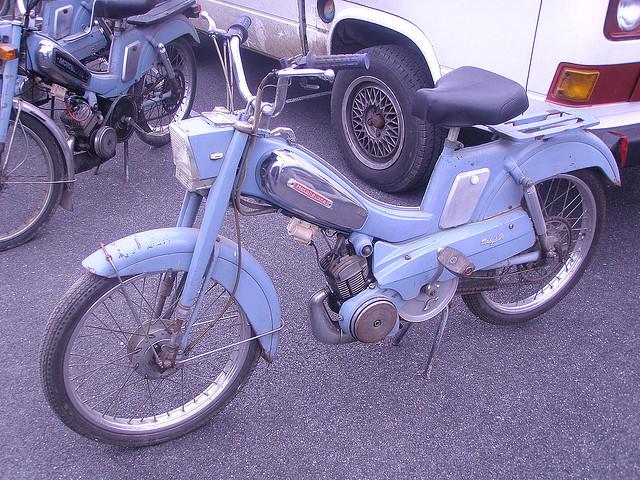 mopeds00015.jpg